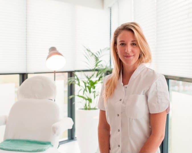 Jennifer Mos, huidtherapeut bij Medical Cosmetics, te Zoetermeer